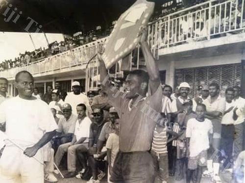 Colo-i-Suva captain Sakiusa Bai lifts the Fiji Bitter Marist 7s shield in 1996 at the then National Stadium in Suva. Picture: SUPPLIED