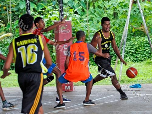 Peceli Vavaitamana of Davui Magics on attack against Jazz during the Raiwaqa Interlane Easter Basketball competition at Ed's Court in Raiwaqa in Suva on Friday, March 30, 2018. Picture: JONACANI LALAKOBAU