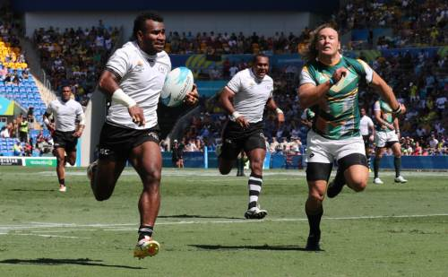 Jerry Tuwai's run to the try line chased by Werner Kok from South Africa. Picture: ELIKI NUKUTABU