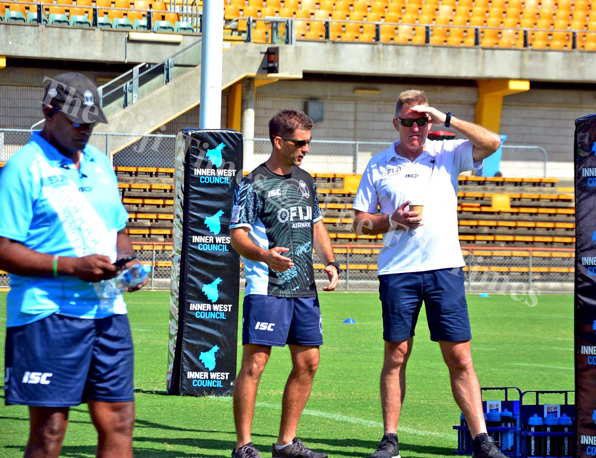 Fiji Airways Flying Fijians coach John McKee having discussions with Fiji Airways 7s coach Gareth Baber during their team training at the Leichhardt Oval ground in Sydney, Australia on Wednesday, January 24, 2018. Picture: JONACANI LALAKOBAU