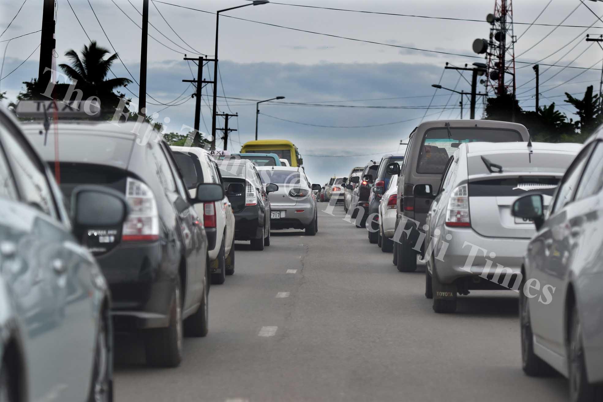 The bumper to bumper traffic jam at Makoi Nasinu yesterday. Picture: RAMA