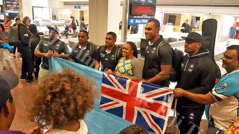 Fiji Airways Fiji 7s reps, Waisea Nacuqu, Vatemo Ravouvou, Leone Nakarawa and Kalione Nasoko with fans in Utah. Picture: SUPPLIED
