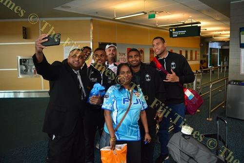 Fiji 7s fans take a selfie with the Fiji Airways Fiji 7s team players in Vancouver, Canada, yesterday.Picture: Jovesa Naisua