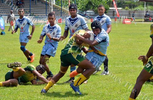 Jope Naseara on attack for Ba Provincial Free Bird Institute against Ratu Sukuna Memorial School during the Fiji Secondary Schools rugby league quarter-final clash at Prince Charles Park in Nadi on Saturday. Picture: BALJEET SINGH