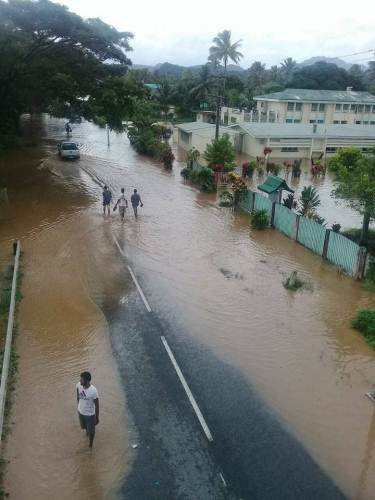 The main road way into and out of Navua town at 3pm today. Picture: NIANI KURUVESI
