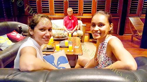 Karyn (left), sister Andra and dad Barry Whiteside at their home in Tamavua. Picture: ELIKI NUKUTABU