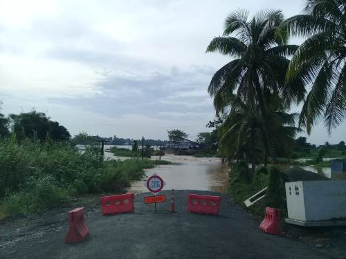 The Toga crossing outside Nausori is underwater. Picture: SUPPLIED/FRA